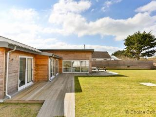 THE CABIN CROYDE | 4 Bedrooms