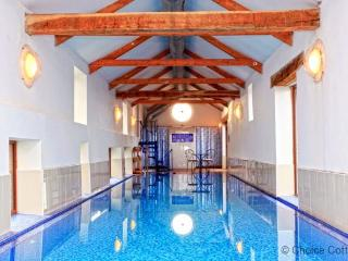 WOOLACOMBE HIGH VIEW FARMHOUSE | 6 Bedrooms