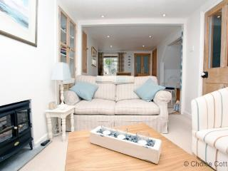 APPLEDORE ESCAPE COTTAGE | 2 Bedrooms, Appledore