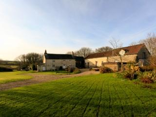 BUCKLAND BREWER COB BARN | 2 Bedrooms