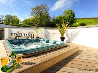 CROYDE WISTERIA COTTAGE | 4 Bedrooms, Croyde