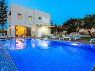 Villa Oceanna - New Villa 300 m from Sandy Beach!