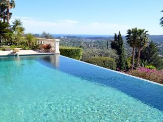 Luxurious Villa Seburga with Heated Infinity Pool, St-Paul de Vence