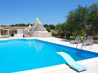 Enchanted Trulli in Alberobello -private pool