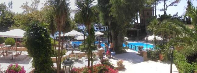 the Nicopolis club-beach bar(1)