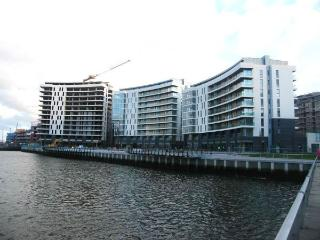 Titanic Qtr 10th Floor Apt Sleeps 6 WIFI PARKING, Belfast