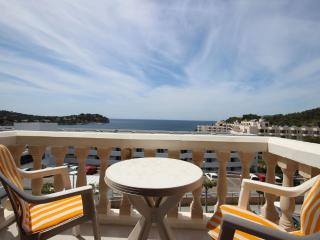 Beautiful Modern Studio Apartment with Sea Views, Santa Ponsa