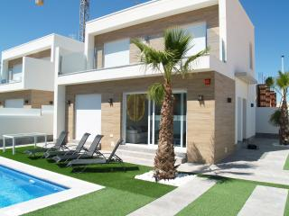 Fabulous contemporary 3 bedroom villa with pool