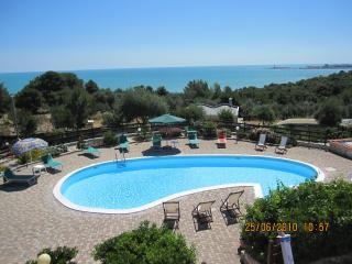 Villa Geco con piscina per 10 persone vista mare, Defensola
