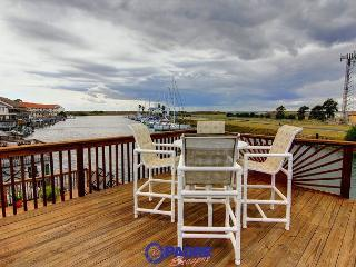 This Dreamy Waterfront property is ready for you!, Corpus Christi