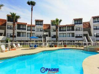 Skip the boring hotel room, Book this 3 bedroom Penthouse!, Corpus Christi