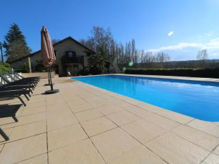 LUXURY WITH HEATED POOL NR BERGERAC & VIGIERS GOLF, Eymet