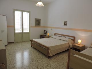 APPARTAMENTO in CENTRO con VERANDA dal 03/09 €650, San Vito lo Capo