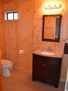 large bathroom in kickapoo