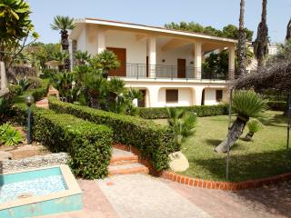 Villa with beautiful garden