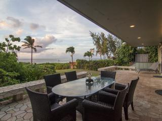 Luxurious Beachfront Villa on Oahu's Sunset Beach