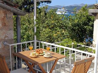 Apartments Solitudo-Sea view