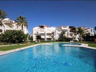 Sun Beach ground floor apartment pool-side terrace, Estepona