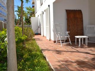 Planta baja con jardín a 20 metros de la playa., Ibiza Ciudad