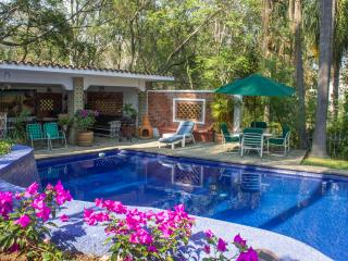 Enchanting Authentic Casita w/Great Pool & Gardens
