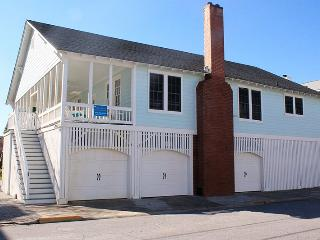 #1 11th Street - One House From the Beach - Classic Tybee Cottage, Tybee Island
