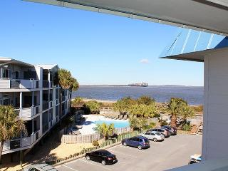 Savannah Beach and Racquet Club Condos - Unit B301 - Water View - Swimming Pool - Tennis, Isla de Tybee