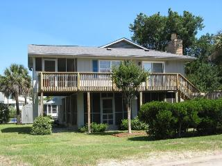 1519 Chatham Avenue - Bring your kayaks and your fishin` gear! - FREE Wi-Fi, Tybee Island