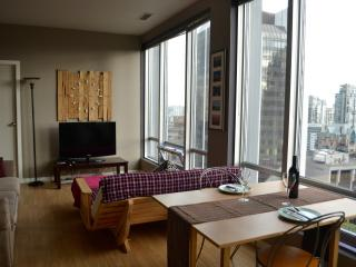 Luminous Flat in Perfect Location 2B/2B, Vancouver
