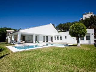 Immense villa near the beach, Marbella