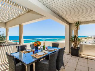 Golden Sands Beach Apt - Cottesloe Beach House Stays