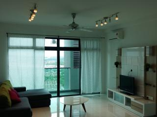 Cosy Apartment at Bukit Indah (Next to Aeon Mall)