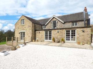 GORSTHEAD MILL FARM, luxury property, woodburning stove, separate annexe, Leek,