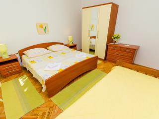 TH01969 Apartments Ivana / A2 / One Bedroom, Trogir