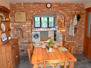 NEW Foxhole Cottage Bright Modern 3 Bedroom House, Bicester