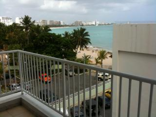 ALAMAR CONDO.  BEAUTIFUL OCEAN VIEW!, Isla Verde