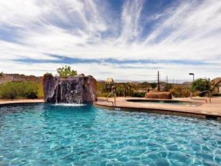 LAST MINUTE SPECIAL Fresh, New Modern! 3 bd VIEW, POOL, GOLF, 30 min to Zion
