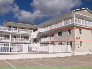 Two Bedroom Condo One Block To Beach, North Wildwood