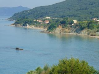 Secluded seaside Villa for 5 to 9 people with pool, Corfu