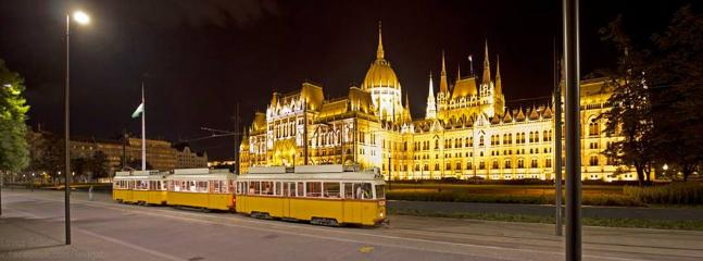 Parliament Building with tram nr. 2, 2 min. from the apartment