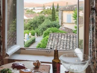 Idyllic 1-bedroom flat with garden, Les Arcs sur Argens