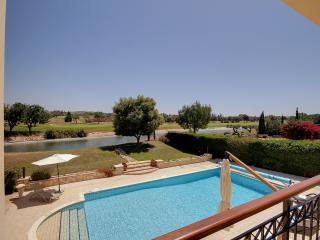 SUPER 4 BED VILLA WITH FAB POOL IN APHRODITE HILLS, Paphos