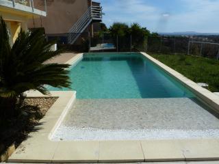 Maison 110 M2 , vue mer, piscine 8m X 4m, a Hyeres, 3 chambres, 3 salles de bain