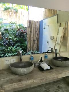Tropical Outdoor Bathroom