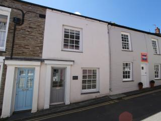 35 Duke Street - a minute from Padstow Harbour