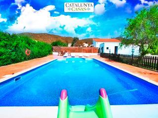 Charming 4-bedroom villa in La Juncosa, only 20km from the beach!, Rodona