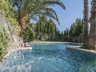 Cozy Villa Abrera for 10 guests, only 30km from Barcelona!