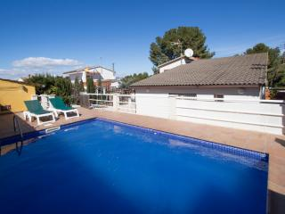 Catalunya Casas: Angelic villa in Bellvei for 9 guests, only 3km from the