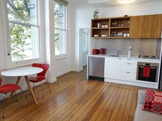 Oliver Lane - Boutique Accommodation - CBD