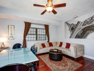 Entire luxury 2 bedrooms condo in Boston Charlestown