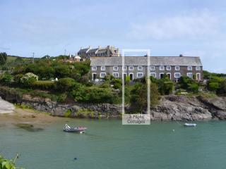 3 Pilot Cottages - fantastic views of the Estuary, Padstow